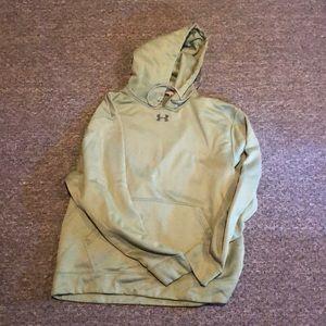 Under Armour men's performance sweatshirt